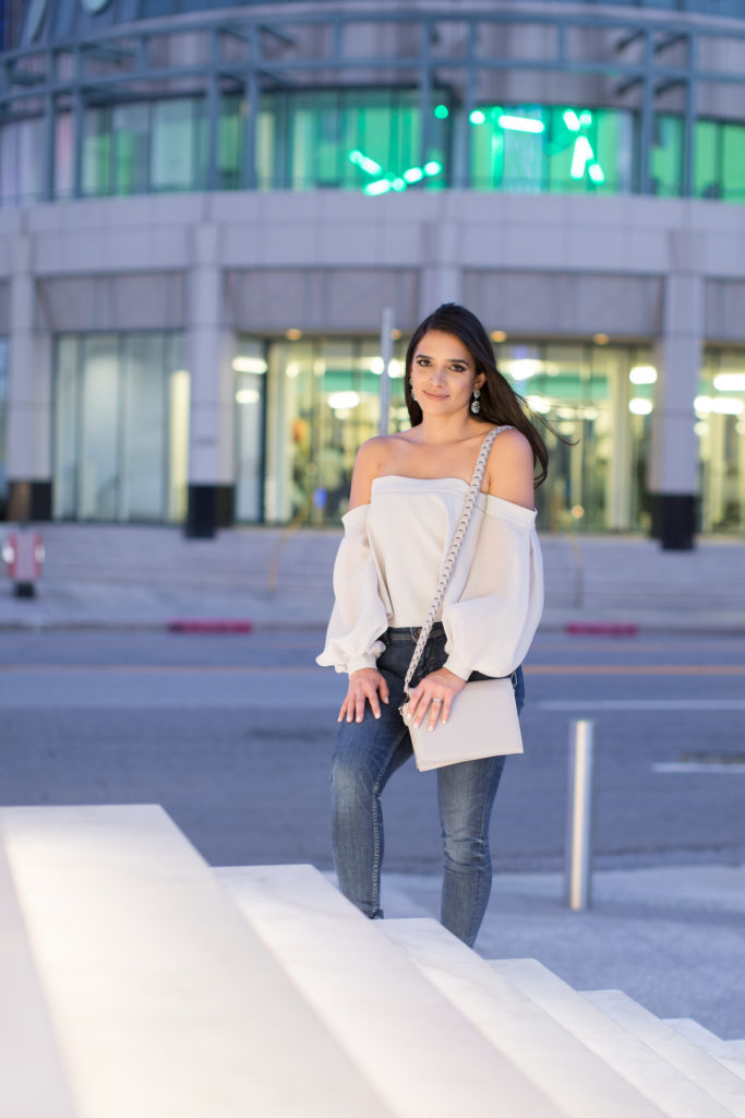 grey off shoulder long sleeve top, off the shoulder grey top, off the shoulder dressy top, night out outfit, braided crossbody purse, grey crossbody purse, night out outfit, fall nightout outfit, what to wear for a date night, what to wear for a special ocassion