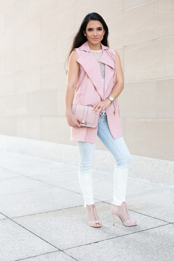 fall outfit ideas, fall outfit, skinny jeans, white lace top, denim skinnies, pastel outfit, pink booties, fashion booties, fall booties