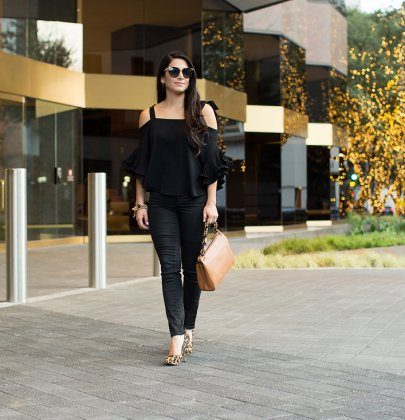 5 Tips To Wear an All Black Outfit Fashionably